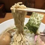 87810622 - 【2018.6.17】村上朝日製麺の低加水パッツン細麺。