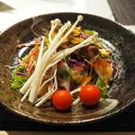 87816755 - 20種類の野菜たっぷりサラダ
