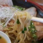 87823322 - 極ラーメン(醤油)麺アップ