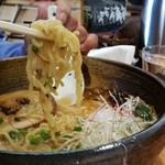 87823324 - 味噌ラーメン 麺アップ
