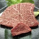 祇をん焼肉 茂  - 料理写真:シャトーブリアンの厚切り