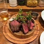 肉バルブッチャーズ 八百八 - チャックアイロール2354円。わさび醬油が欲しい。