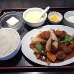 同福居 - 料理写真:酢豚定食=750円