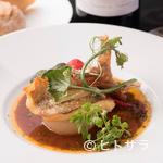 ラ・ロシェル - 食材の魅力が際立つ『あらかぶのソテー ジュ・ド・ポワソンソース』