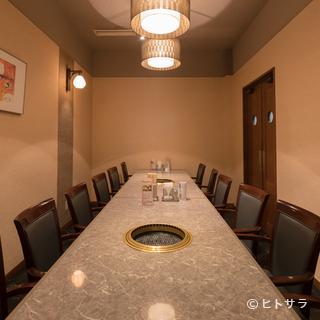 会食、宴会、ファミリーなど、大切な集まりに使える12名個室