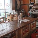 ホルモン 豚や三八 - 店内 テーブル席
