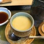 すし物語季の風 - お店名物の梅干しの茶碗蒸し