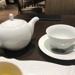 87846689 - 紅茶はミスダマン    緑茶に爽やかなフルーツの香り