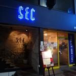 SEC - 外観