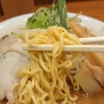 よし乃 - 特徴のある旭川麺