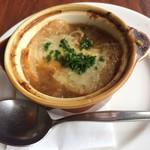 ロイヤルホスト - オニオングラタンスープです。(^^)