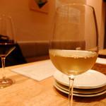 87872128 - グラスワイン