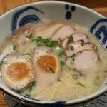 鴨屋 鴨いち - 【鴨源らーめん 並 + 煮玉子】¥690 + ¥100