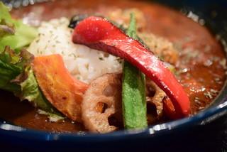 デュエット - [10食限定]特製カレー@税込800円:野菜に寄る