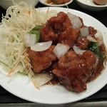 華龍飯店 神保町 - 鶏肉と山椒炒め