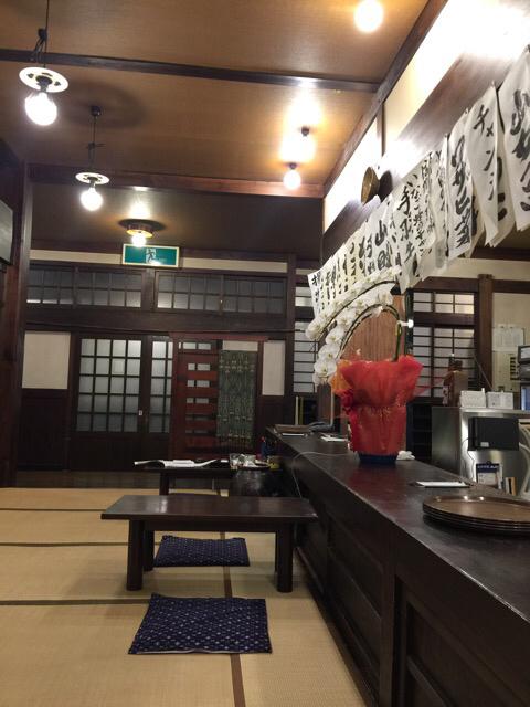 凡蔵 緑町 - 時代劇のロケが撮れそうな歴史的趣きのある店内。 雰囲気は超高級店、抜群です!