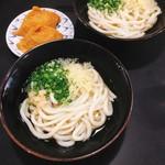 松下製麺所 - うどん 1玉 @200円 いなり寿司 @120円