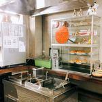 松下製麺所 - うどんはセルフで湯煎し、セルフでかけつゆをかけて、いただきます。