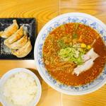 熱烈一番亭 - 味噌ラーメン@650+餃子セット@190