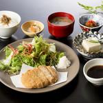 やさい家めい - 豆腐と鶏のふわふわメンチカツ