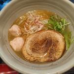 87900617 - 銀笹ラーメン(白醤油)