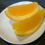 ユキヤダイニング - ランチのデザートはオレンジ
