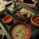 ひよこ食堂 - 料理写真:刺身・牛ステーキ欲張り御膳