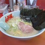 ラーメン山岡家 - 料理写真:塩ラーメン+海苔増し(650円+110円)