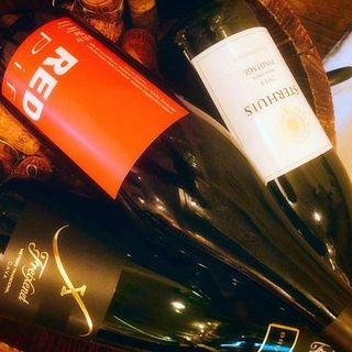 種類豊富に取り揃えるワインは、カクテルやサングリアでもご提供