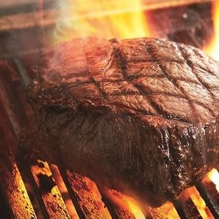 素材にこだわった牛肉100%のハンバーグが愉しめる!