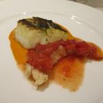 リストランテ アズーリ - 本日の鮮魚とオマール海老のバター焼き、フルーツトマトのケッカソース♡