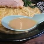 横浜家系ラーメン 町田商店 - 家系スープ