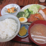 K&K食堂 - 料理写真:とんかつ定食 800円