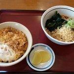 山田うどん - かき揚げ丼セット 560円