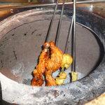 タンドリ屋 - 本場のタンドリーでじっくり焼き上げます!