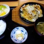 花つつじ - 鉄板豚の生姜焼き定食