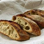 パンやきどころ RIKI - バゲット パン・ペイザン ¥250+税