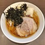 麺屋りゅう - 醤油らーめん 大盛(鶏 × 白身魚のアラ × ハモのアラ)