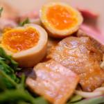 87926027 - オマール海老トマトつけ麺(全部入り) 1180円 のつけ麺