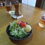 キッチン美味小家 - サラダと岩塩