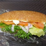 87929800 - ディルサーモン&クリームチーズ サンドイッチ