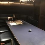 つるとんたん - 洗練された個室。うどん屋さんですよ。