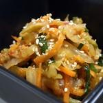 博多もつ処 浜や - 糸島産直野菜の自家製旨辛キムチ