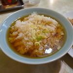 水新菜館 - スープを注いで中華雑炊(行儀悪し!!)