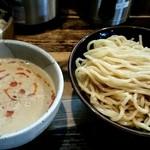 赤羽京介 - 料理写真:ゴマだれつけ麺中盛り310g800円+モヤシ100円!