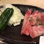 清香園 - カルビ肉はこれだけ
