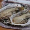 パードレ・マードレ - 料理写真:焼がき1皿(2個)