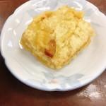 87946599 - 天ぷら 高野豆腐 @100円                       衣が厚く、ザクザククリスピー!高野豆腐との食感の対比がおもしろい。