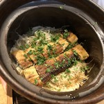 87949682 - ◆鰻とごぼうのご飯 鰻が高騰していますのに、1万円のコースでこれだけの量を頂けるのは嬉しい。