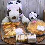87951164 - カフェにおじゃました後は、そこから歩いてすぐの所にあるスーパー「ライフ昭和町駅前店」でお買い物して帰ることも。今日はライフの中に入ってるパン屋さん『小麦の郷』で美味しそうなものをいろいろ買ってきたよ。